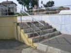 5 stairs + handrail