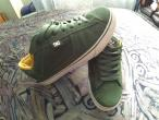 Vand Shoes DC TRUE S in stare impecabila