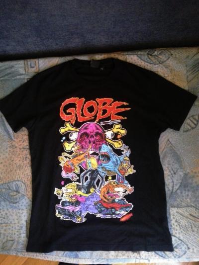Tricou Globe marimea S (slim fit)