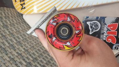 axe Skate Thunder cu roti Spitfire