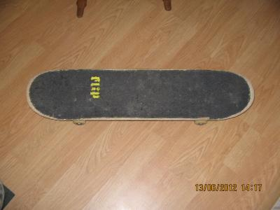 Skate : Deck : flip, axe: thunder light, roti: plan b,rulmenti speed deamons abec7