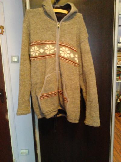 pulover foarte gros cu gluga